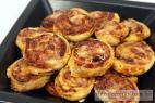 Recept Pizza slimáky so syrom a pršutom - pizza slimáky
