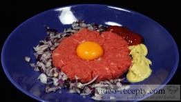 Pikantný tatársky biftek