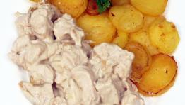 Vyprážané zemiaky so smotanovými kuracími kúskami