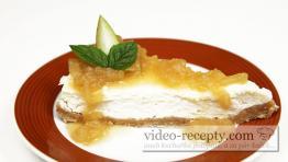 Cheesecake s hruškovým prelivom